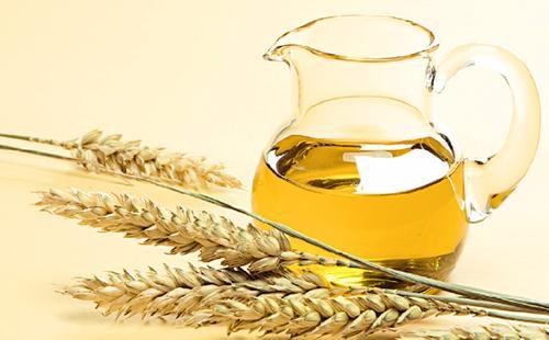 Пшеница и кувшин, полный масла